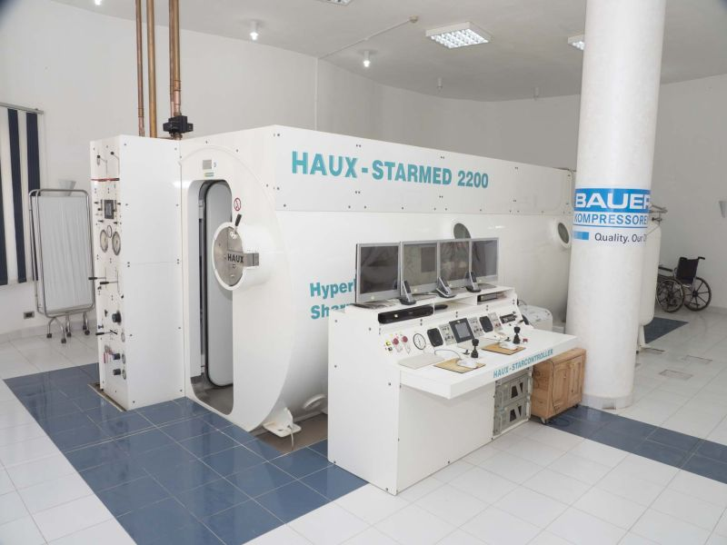 The new Haux hyperbaric chamber was added in 2011 and has enormously increased the Center's treatment capacity